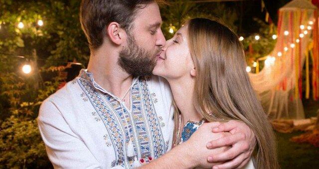 Стася Ровинская, актриса, отношения с мужем, проект, поддержка
