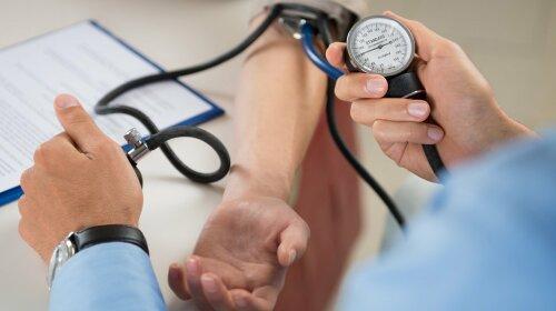Інформація, яка врятує життя: лікарі розповіли, як вчасно розпізнати тромб