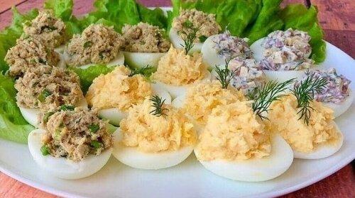 25 начинок для фаршированных яиц на любой вкус и кошелек: готовится на раз-два, а уходит на ура