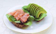 Завтрак за 5 минут: вкусный и оригинальный бутерброд с авокадо и лососем