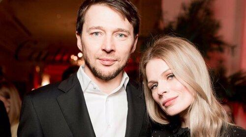 Глазами любимого мужчины: Оля Фреймут показала образ, который подобрал для нее муж – просто, но со вкусом (фото)