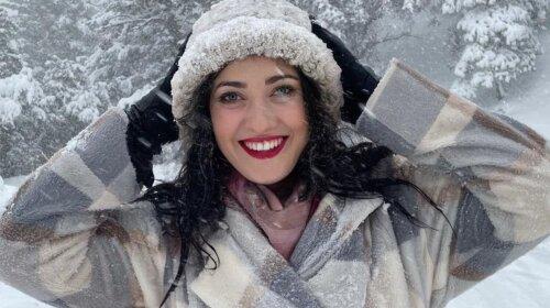 Платье, шапка и пальто: Соломия Витвицкая очаровала игривым зимним образом (фото)