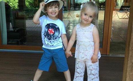 Маленькие Лиза и Гарри: в Сеть попало архивное фото детей Пугачевой  – им нет еще и годика
