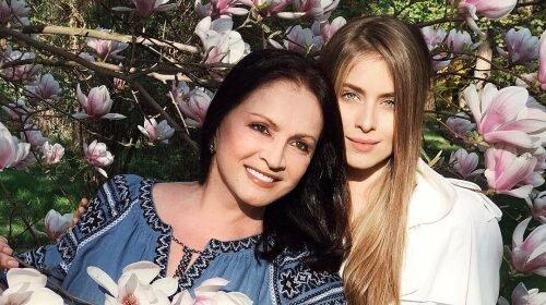 Внучка Софии Ротару показала, как выглядит ее 72-летняя бабушка в повседневной жизни – без фильтров и фотошопа