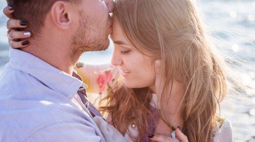 Психолог рассказала, стоит ли делать комплименты мужчинам и на что нужно обратить внимание
