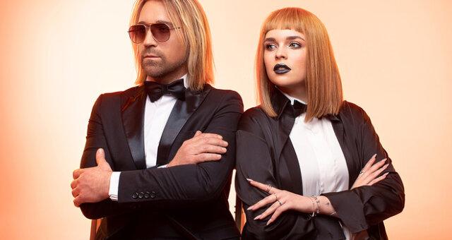 Олег Винник, Элина Иващенко, фото в бикини