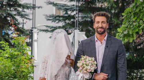 Секс-символ «Танців з зірками» стал новым ведущим реалити-шоу «Одруження наосліп»