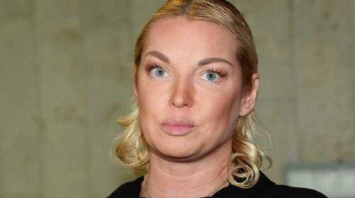 В свинарнике почище: Анастасия Волочкова засветила на фото окурки и неопознанные таблетки (ФОТО)