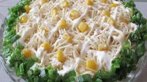 Универсальный салат из 4-х простых ингредиентов – может заменить полноценный ужин