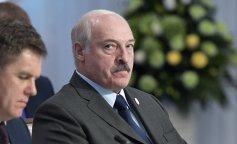 """Коханка Лукашенко викликала небувалий ажіотаж у мережі: """"дідусь і внучка"""""""