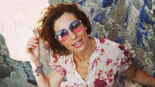 Словно девочка-подросток: 52-летняя Надежда Матвеева в воздушном платье очаровала романтическим образом  (фото)