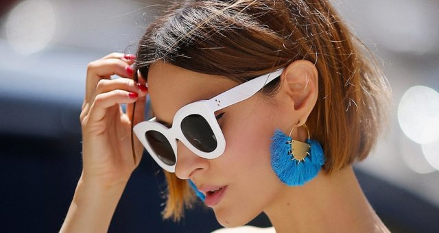 statement_earrings_outfits