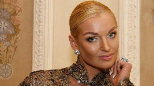 Высокий и носатый: Анастасия Волочкова засветила лицо нового возлюбленного