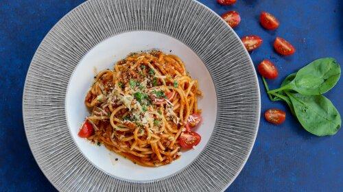 Вкуснейшие спагетти карбонара: простой и быстрый рецепт, по которому сможет приготовить даже ребенок — пальчики оближешь!
