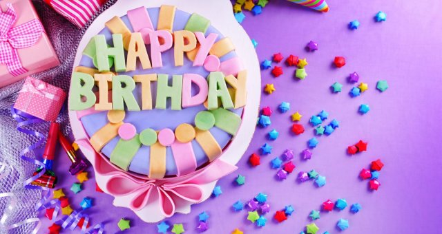 Happy-birthday-Cake-4k-decoration-wallpaper-facebook-photo-1440×900