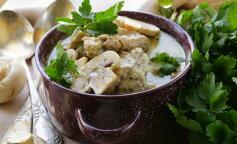 Рецепт для мультиварки: ароматный суп из куриной грудки с грибами и сливками