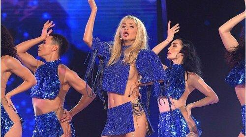Кароль, Лобода, Каменских и другие: звезды, которые не постеснялись выйти на сцену без белья (фото)