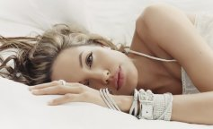 celebrity-angelina-jolie-9763