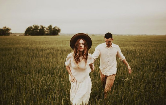 Мужчина Рак и женщина Весы: к любви через компромисс