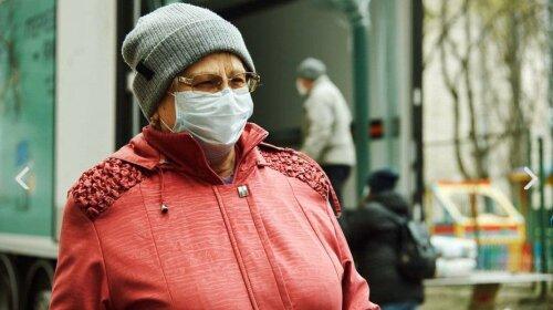 Более 400 людей с инвалидностью получили помощь от Фонда Оксаны Марченко