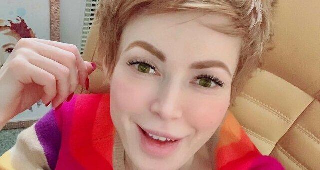 Елена-Кристина Лебедь, фото, видео, аферисты в сети