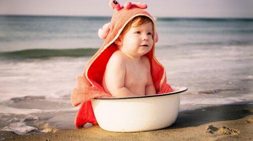 """""""Шукайте ці компоненти у складі"""": доктор Комаровський розповів, як вибрати сонцезахисний засіб для дитини"""