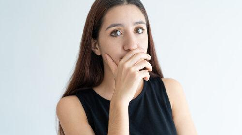 Кислый, гнилостный, горький: врач назвала болезни, на которые указывает неприятный запах изо рта