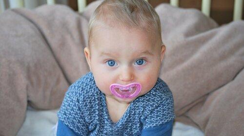 Як відучити дитину від пустушки: лайфхаки від доктора Комаровського