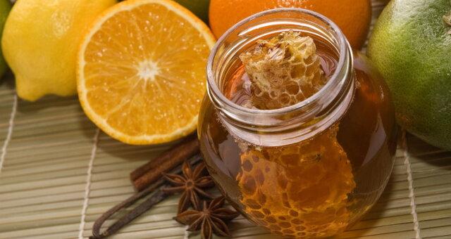 Поможет ли мед при простуде: ответ доктора Комаровского