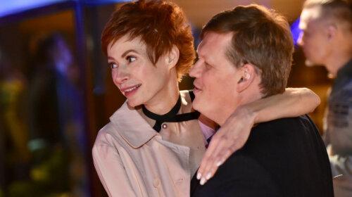Елена-Кристина Лебедь и экс-министр Розенко посетили семейный праздник телезвезды: в золотом дресс-коде