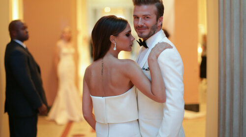 david_victoria_beckham_posed_beautiful_shot