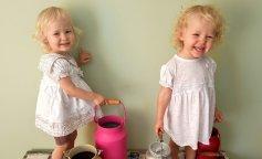 Мама двойняшек забавно ответила на вопросы людей, которые уверены, что с двумя детьми проще