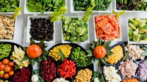 Щоб жити до 100 років: дієтологи назвали список продуктів, які сприяють довголіттю