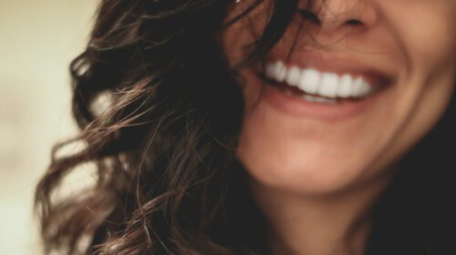 плями на зубах, фото, Відео, Як прибрати