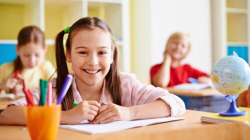 Буквы вместо баллов: для учеников 1-4 классов изменят систему оценивания — что говорят эксперты