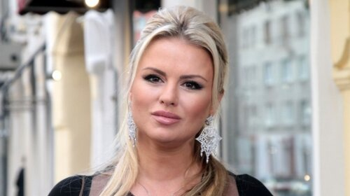 Чуть меньше 120 килограммов: раздобревшая Анна Семенович напугала поклонников странными изменениями в теле