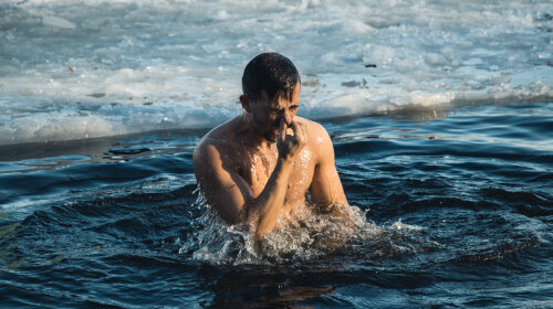 MONATIK, Бабкин, TAYANNA: кто из украинских звезд купался на Крещение 2020