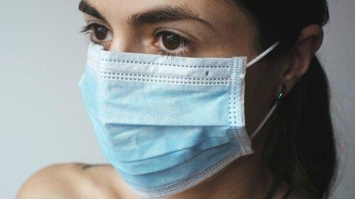 21-летняя студентка делает необычные маски для людей, имеющих проблемы со слухом