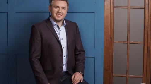 Дмитро Карпачов дав поради Максу Михайлюку, як починати знайомство з батьками учасниць «Холостяк 10»