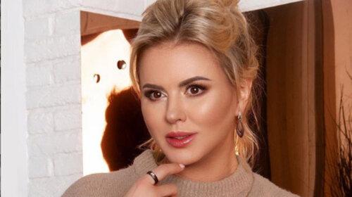 «Пластика, подтяжечка»: Анна Семенович рассказала о том, что она на самом деле сделала с большой грудью – подробности