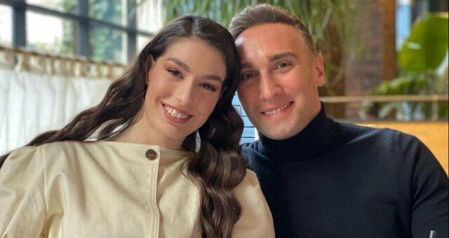 Иракли Макацария, новое фото с девушкой, поцелуй