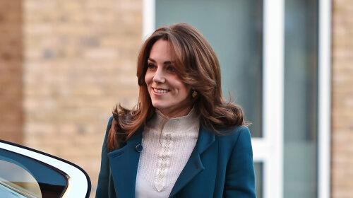 Як ні в чому не бувало: після недавнього конфузу з спідницею Кейт Міддлтон з'явилася на зустрічі в Лондоні