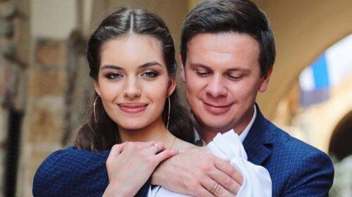 Тепер ясно, чим вона підкорила серце Комарова: Олександра Кучеренко закарбувалася в сукні з прозорими вставками (фото)