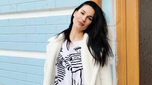 Маша Єфросиніна в ефектному білому костюмі зачарувала фанатів: справжня ікона стилю
