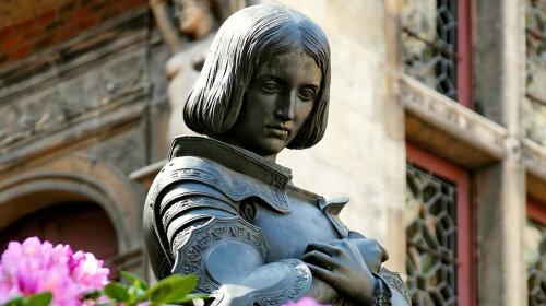 Легендарная девушка-воин: как на самом деле выглядела Жанна д'Арк