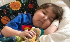 Шестилетний мальчик ни разу в жизни не ел из-за редкой болезни
