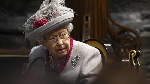 Она что-то задумала: королева Елизавета II перед приездом принца Гарри и Меган Маркл, выдвинула им ряд странных условий – все детали