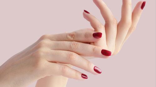Как сделать кожу рук нежной и гладкой осенью: подборка полезных средств