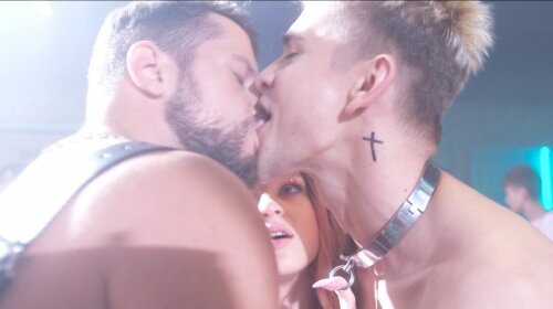 «Блин, он язык задействовал!» Макс Девизоров из «Перших ластівок. Zалежні» рассказал, как снимали его поцелуй с парнем (ВИДЕО)