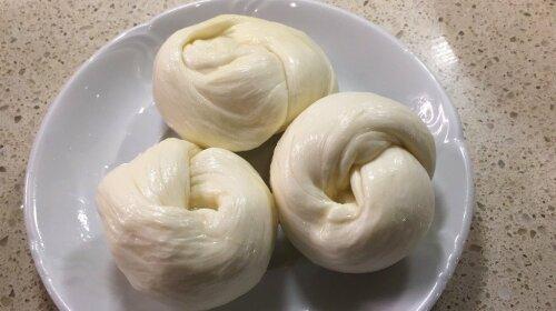 Зачем покупать то, что можно легко приготовить: простой рецепт домашней моцареллы всего за 30 минут